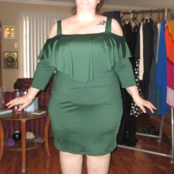 89f800f5d5b Dress Lily Dresses   Skirts - Plus Size Green Body Con Dress